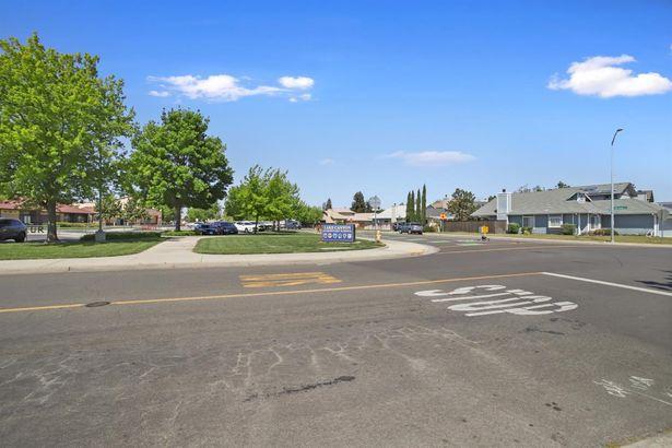 836 Lake Canyon Avenue