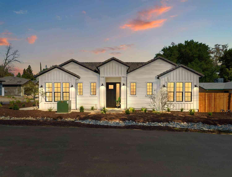 7800 Hutton Creek, Fair Oaks, CA, 95628,