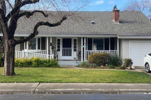 5624 Camellia Avenue