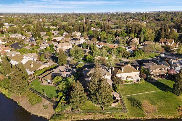 4649 Pine Valley Circle