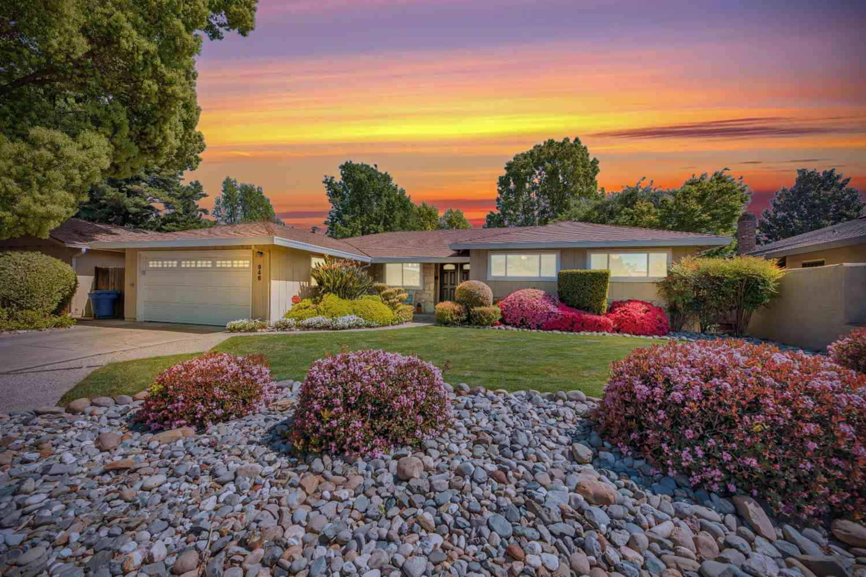 946 TRESTLE GLEN Way, Sacramento, CA, 95831,