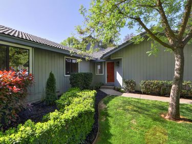 1048 Johnfer Way, Sacramento, CA, 95831,