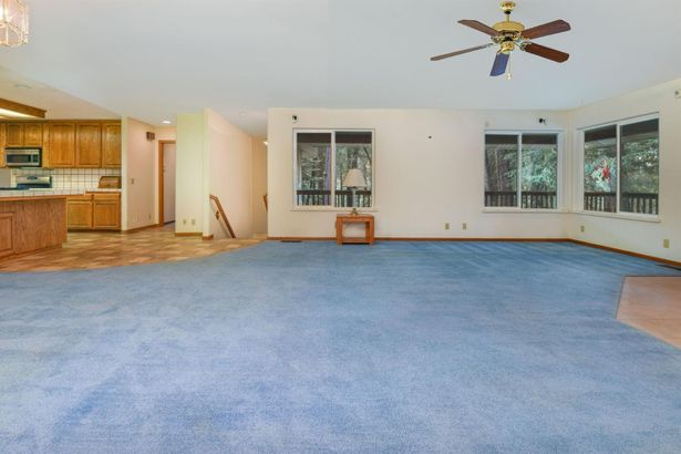 13390 Little Meadow Court