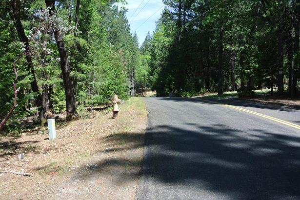 6084 Green Leaf Lane