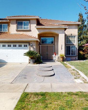 2427 Saxon Way Riverbank, CA, 95367