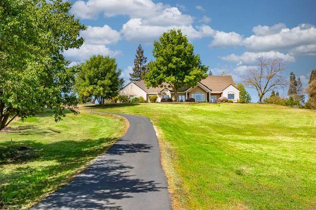 9351 Oak View Drive