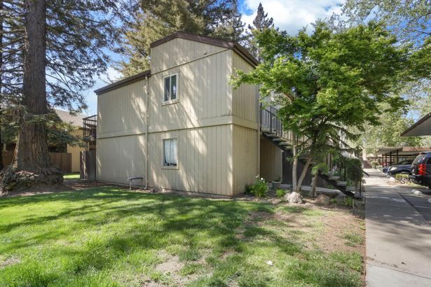 3591 Quail Lakes Drive #11