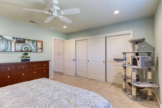 2458 Knollwood Drive