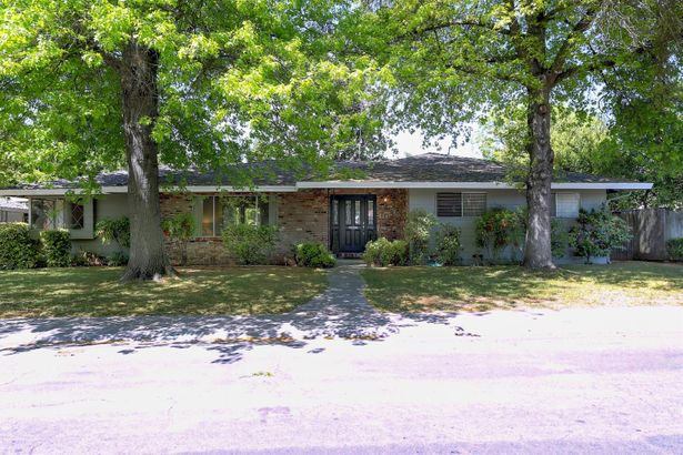 3209 Delwood