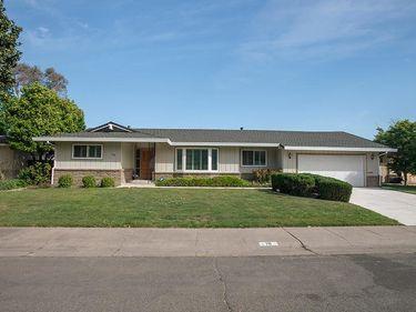 19 Shoreline Circle, Sacramento, CA, 95831,