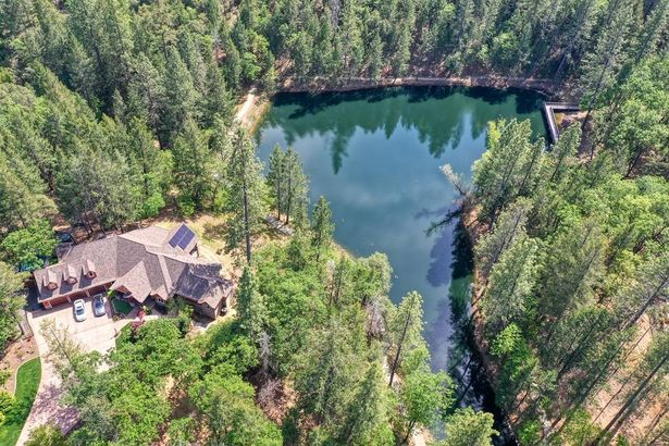 3 Forest Lake Place