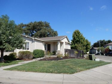 102 St John Place, Cloverdale, CA, 95425,