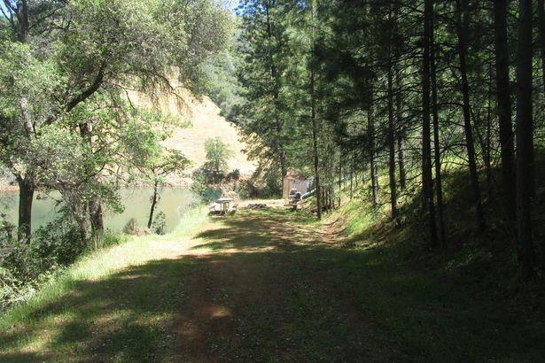 14690 Meadow Cove Lane
