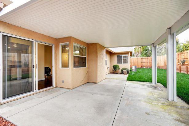 580 Oakborough Avenue