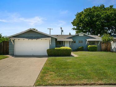 1470 Oakhurst Way, Sacramento, CA, 95822,