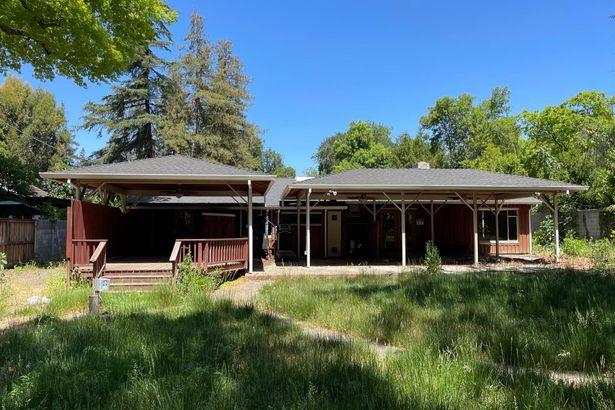 2630 Sierra Boulevard