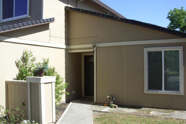 5608 Vista Oak Way