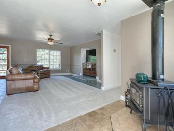 1244 Tree Top Road, Placerville, CA, 95667,