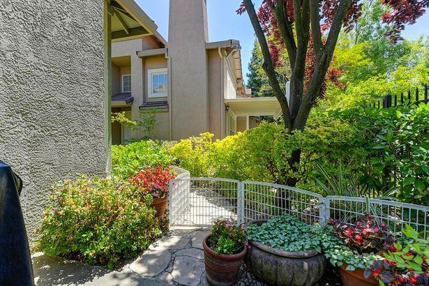 9904 Villa Granito Lane