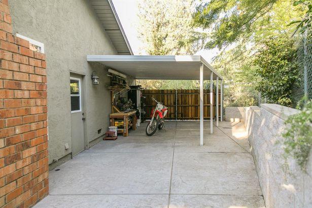 7256 Pine View Drive