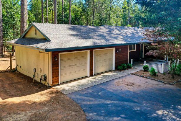 5425 Happy Pines Drive