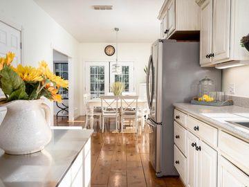 Kitchen, 1781 Cable Road, Camino, CA, 95709,
