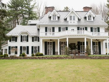 Colonial Farmhouse Style Homes