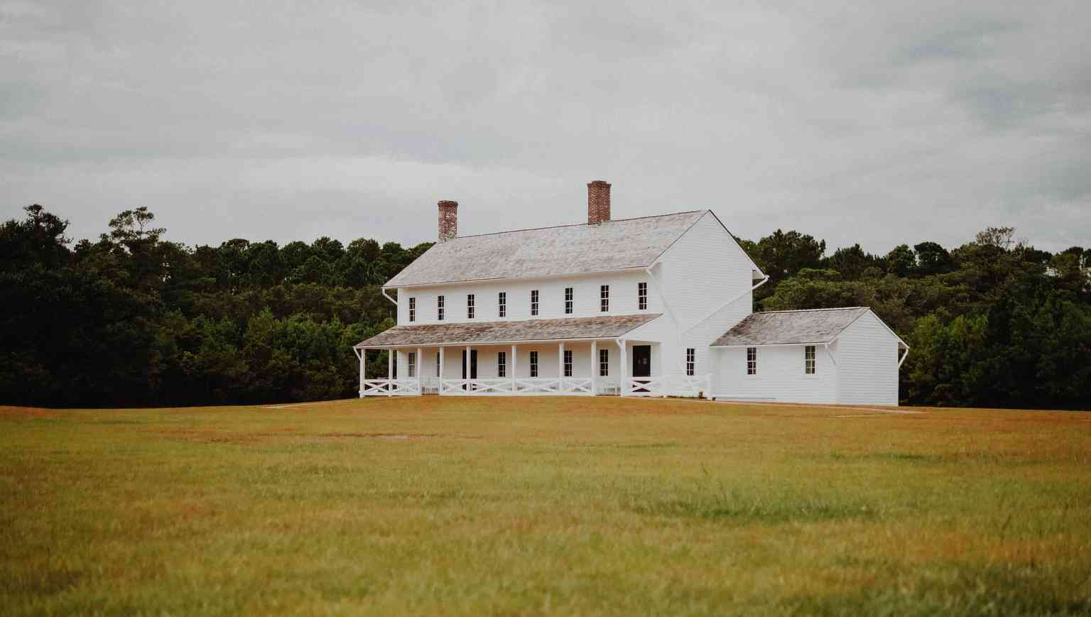 Traditional Farmhouse Style Homes