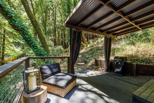 87 Redwood Drive