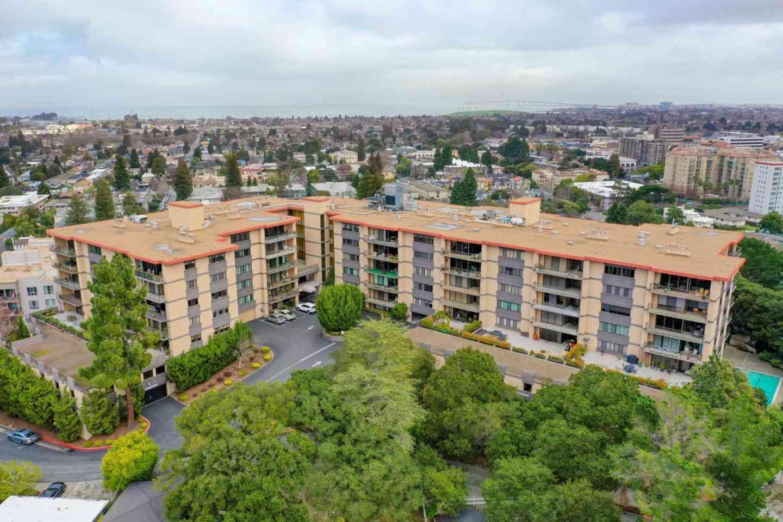 50 Mounds Road #206, San Mateo, CA, 94402,
