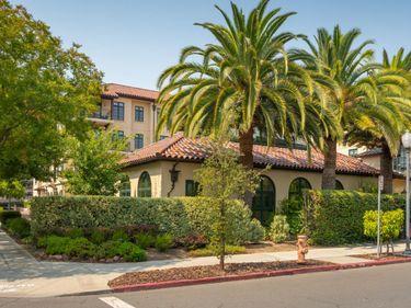 555 Byron Street #204, Palo Alto, CA, 94301,