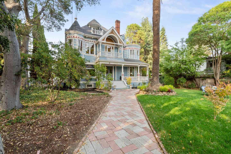 1023 Forest Avenue, Palo Alto, CA, 94301,