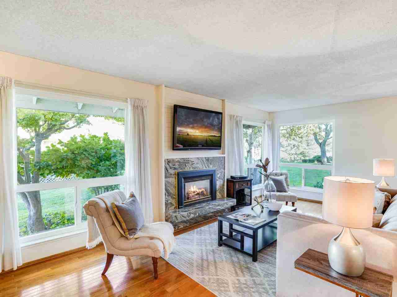 Sunny Living Room, 4005 Farm Hill Boulevard Redwood City, CA, 94061