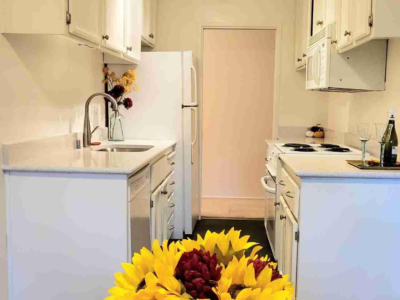 Kitchen, 280 Easy #418 Street #418 Mountain View, CA, 94043