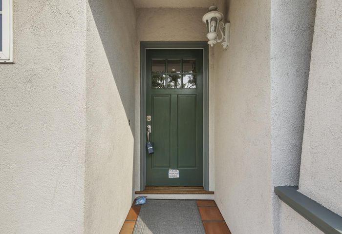 528 North Claremont Street