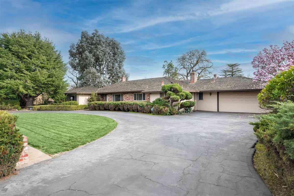 190 West San Martin Avenue, San Martin, CA, 95046,