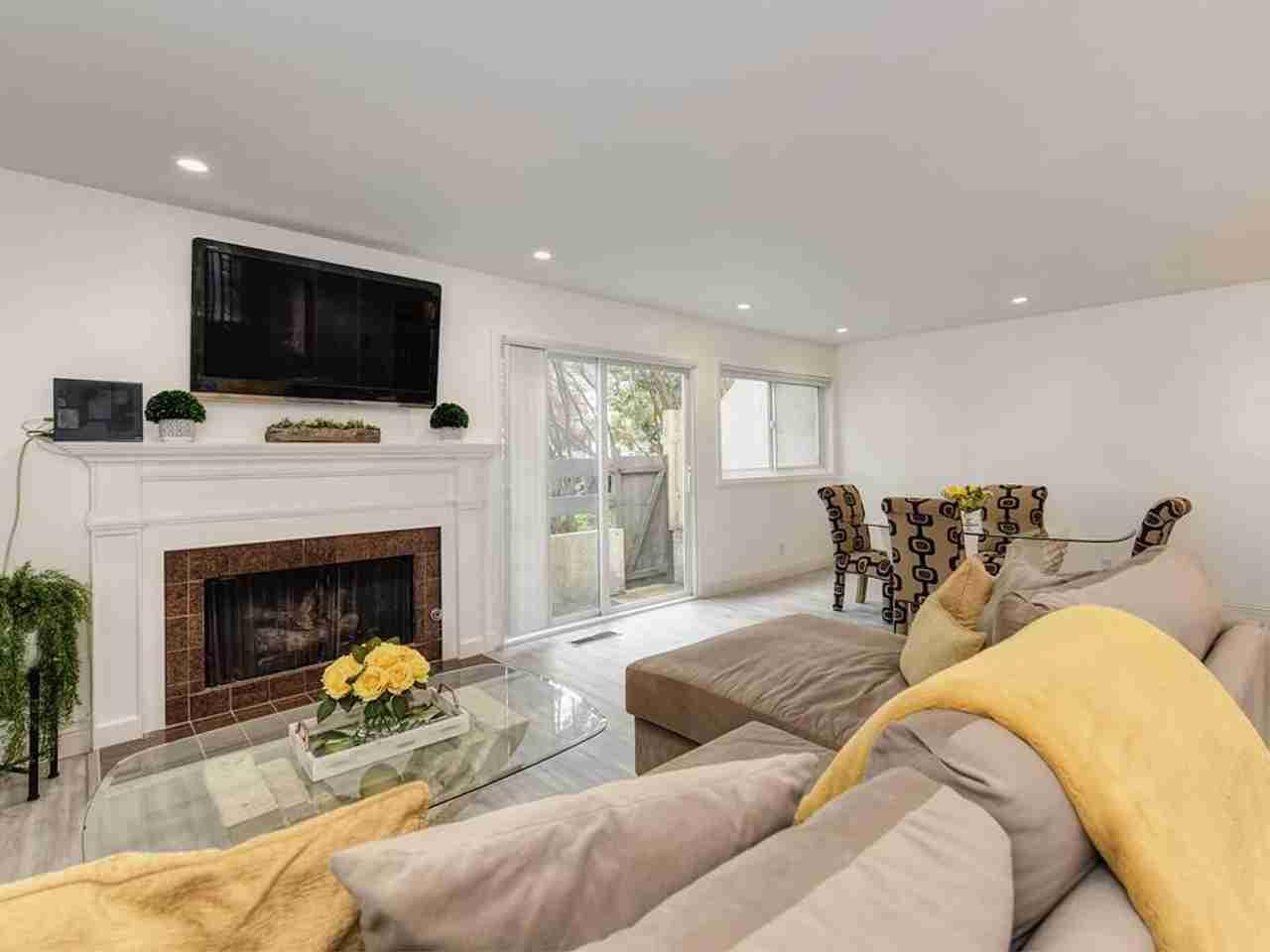 Sunny Living Room, 3550 Carter Drive #59 South San Francisco, CA, 94080