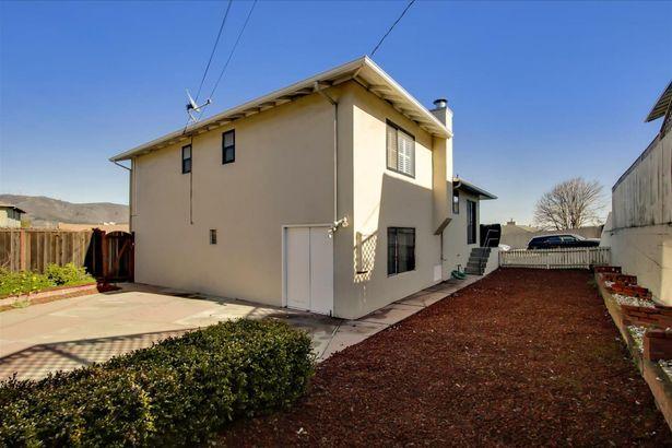 701 Serra Drive