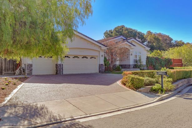 18128 Rodeo Creek Hollow