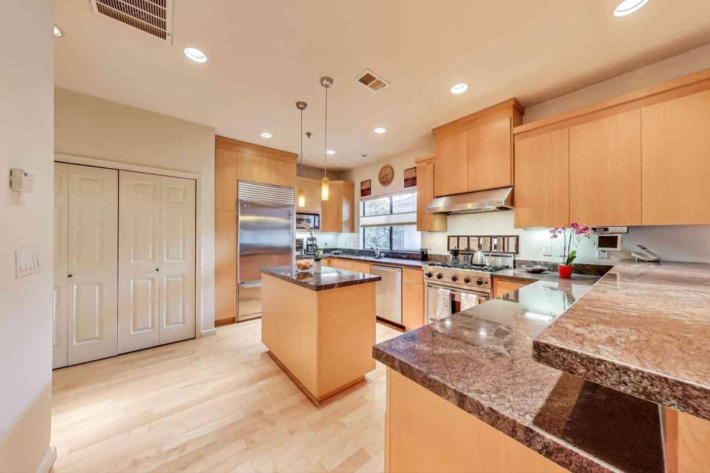 Sunny Living Room, 546 Everett Avenue, Palo Alto, CA, 94301,