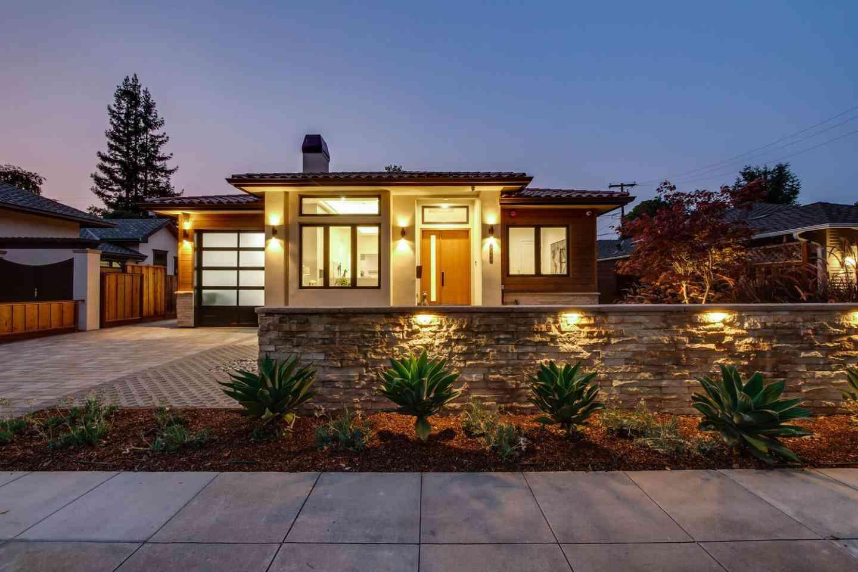1071 East Embarcadero Road, Palo Alto, CA, 94303,