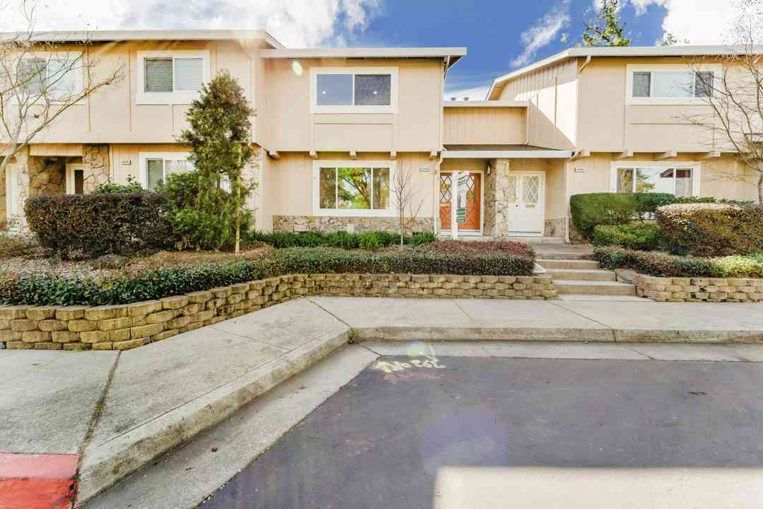 22686 Royal Oak Way, Cupertino, CA, 95014,