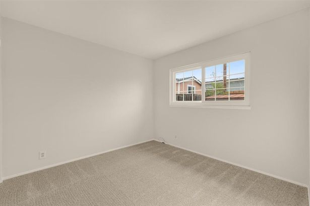 2334 Glendenning Avenue