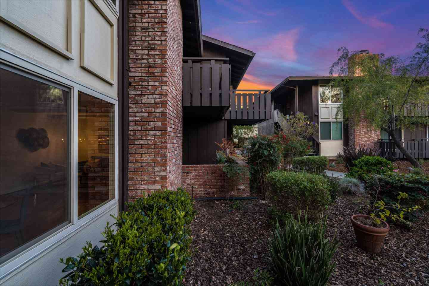 100 East Middlefield Road #1D, Mountain View, CA, 94043,