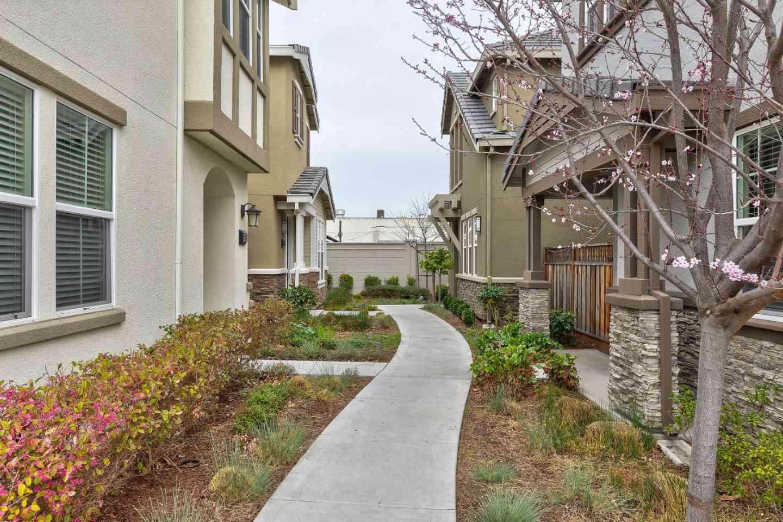 865 Maple Place, East Palo Alto, CA, 94303,