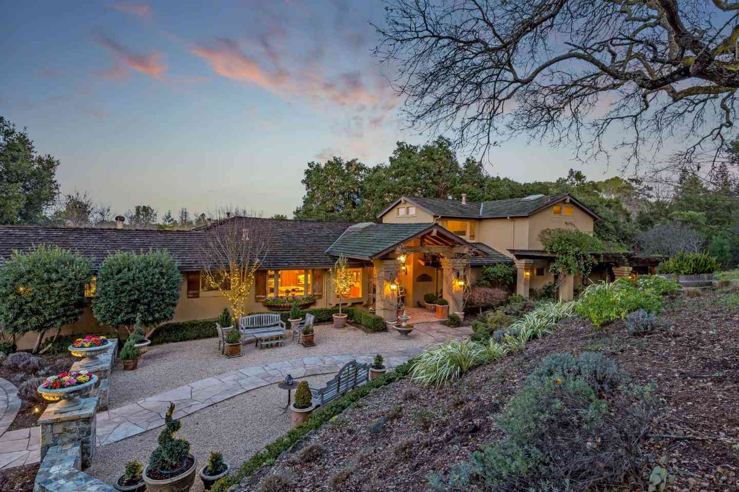 27600 Edgerton Road, Los Altos Hills, CA, 94022,