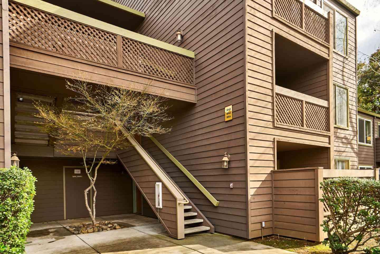 1046 Yarwood Court, San Jose, CA, 95128,