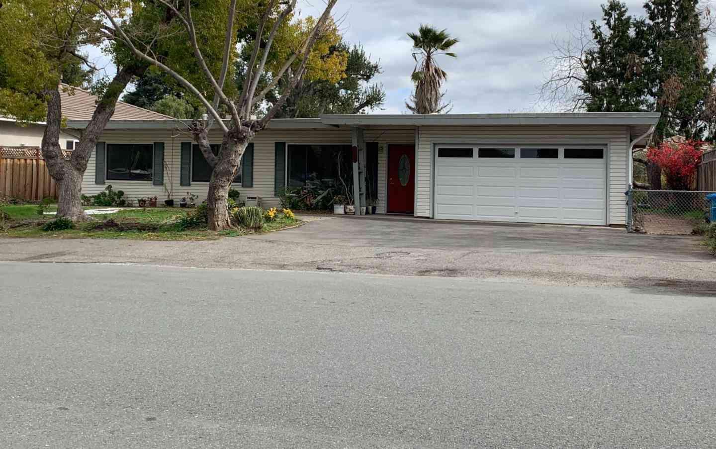10250 Lockwood Drive, Cupertino, CA, 95014,