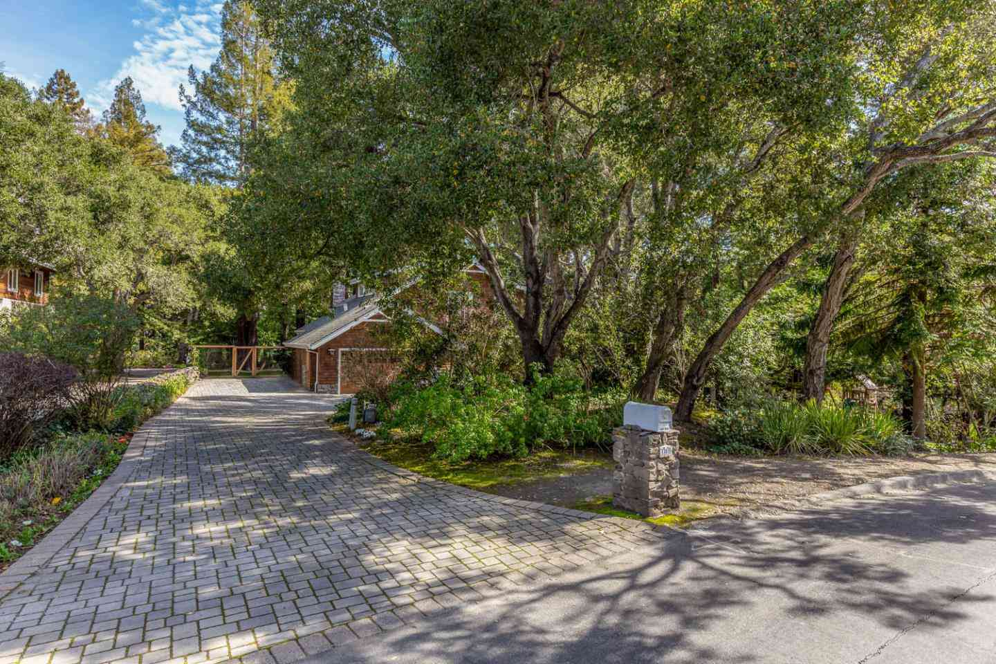 340 Willowbrook Drive, Portola Valley, CA, 94028,