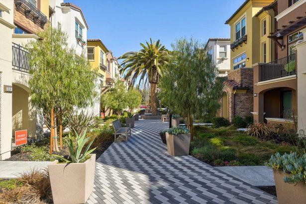 2035 San Luis Avenue